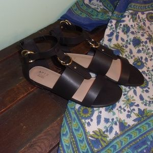 Cute Sandals with Gold heels NWOT